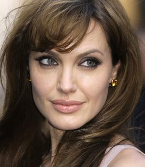 Angelina Jolie's Prophylactic Mastectomy, If She & I Could Chat